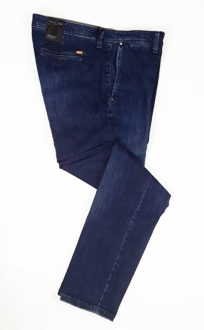 NUOVO ZERO Pantaloni Donna